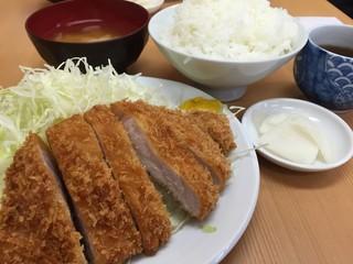 とんかつ山家 上野店 - ロースかつ定食¥700