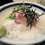 60275143 - ミニ丼セット A + A 970円 の 鮪山芋丼。