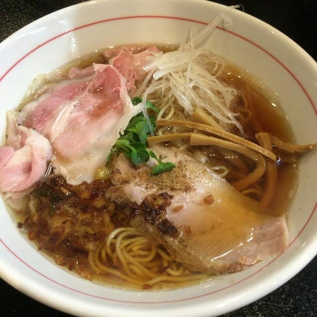 麺屋 義 - 特製義ラーメン(しょうゆ 880円)