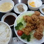 華正樓 - 揚げ鶏の定食