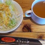 6028319 - サラダ・スープ おかわり自由