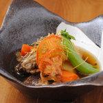 和ビストロ サグラ - sagura風肉じゃが 牛スネ肉をコトコト煮込んだ逸品
