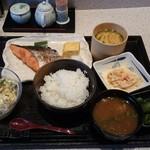 60280338 - 魚料理定食 焼き鮭