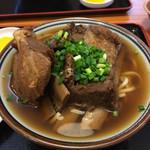 田そば  - 軟骨ソーキそば(中:830)