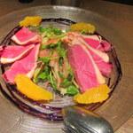 ザ キッチン サルヴァトーレ クオモ - 鴨胸肉の自家製ハムとオレンジのサラダ仕立て