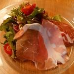 坂の上レストラン - ハーブたっぷりサラダ(*^ー^)