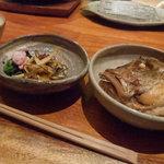 粋魚 むらばやし - 天ぷら定食の煮魚と漬物