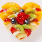 エロうま野菜と肉バル カンビーフ - ハートのフルーツタルトです!