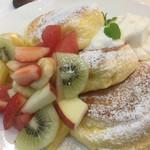 幸せのパンケーキ - フルーツの
