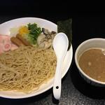 鶏そば・ラーメン Tonari - 濃厚牡蠣白湯つけ麺(1,000円)