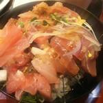 回転寿司 すし丸 - 漬けマグロ豪快ランチ丼※ご飯に全部のっけました(2016.12.21)