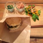 Rice Burger Cafe Temp - 厚卵ライスバーガープレートのアップ