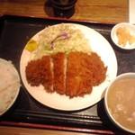 Kushiagepin - ロースカツ定食 880円(税込)(2016年12月16日撮影)