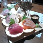 60318764 - お刺身+酢飯。