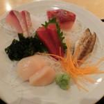 魚市場食堂 - 刺身5品