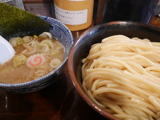 自家製麺つけ麺 紅葉 - つけ麺並盛り780円。