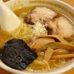 らーめんハウス BunBun - 料理写真:ダシしょうゆラーメン(660円)