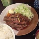 60321458 - 生姜焼き定食。850円。