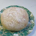 デイライトキッチンオーガニック - まるパン150円。