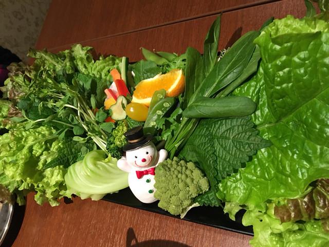 TonTon オンギー - サムギョプサル野菜盛り
