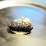 ウシマル - イカ墨のソーセージ 肝のソース むかごとイカの口添え