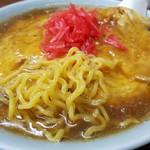 食事処 三平 - 麺のアップです(2016年10月)。