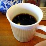 龍龍 - コーヒーを飲みながらラーメンを待つ!