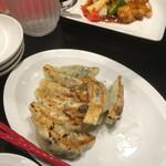中国料理 龍鱗 - 焼き餃子