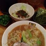 60329103 - 濃菜麺小、ウオベジ、パクチー、ノリ