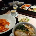 東天閣 - おすすめB定食(\1350)丼セット(\920)コーヒーはエスプレッソをセルフで。杏仁豆腐もデルフで~