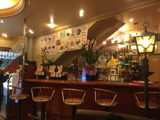 横濱珈琲店 五番街 - 店内のカウンター