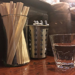 拉麺 札幌ばっち軒 - 箸、レンゲ、お冷ピッチャー