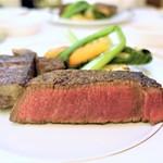 60349800 - 肉牛共進会 名誉賞受賞                          三田牛竈炭火焼ステーキ、ヒレ                        季節野菜を添え