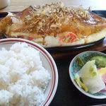 もり餃子店 - 料理写真:もり焼き+ライス(並)です。