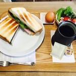 スリーフィッシュコーヒー - ロースハム&クリームチーズサンド