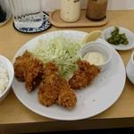 キッチンべる - カキフライ定食1,000円