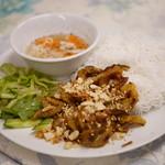 チャミクアン - ぶた肉ビーフン¥800