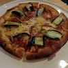 ロクサン - 料理写真:ピザ。ベーコンとナスのトッピング