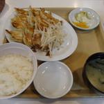 60363121 - 餃子定食(中) 餃子15個 1020円
