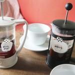 タワーコーヒー - ドリンク写真:イタリアンブレンドとグァテマラ