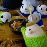 特産品・御食事処 村の市 - 料理写真:誰が先に箸を付けるのか…