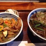 中清食堂 - 日替り(かけ蕎麦、野菜かき揚げ丼)¥850