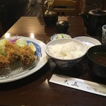60369366 - 牡蠣フライとひれかつ定食(2100円、税別)