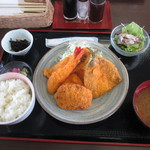 60371085 - 地魚フライ定食
