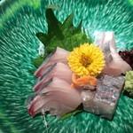 黄桜酒場 - サワラの刺身