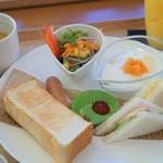 Cafe iごこち - 料理写真:洋食モーニング500円