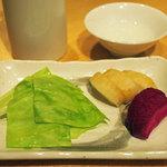 日本酒 室 - 自家製漬け物盛り合わせ