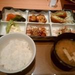 やよい軒 - 料理写真:おかず多い✖飯大量に食う=太る・・・(;;)