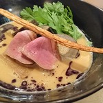 紫 くろ喜 - プレミアム鴨白湯そば+鴨牛蒡そぼろ飯 1500円