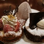 Cafe BEAU VERGER - モンブラン(上) 苺のパイ(左) ガトーショコラ(右)